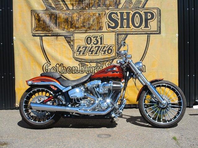 Harley-Davidson FXSBSE CVO Breakout