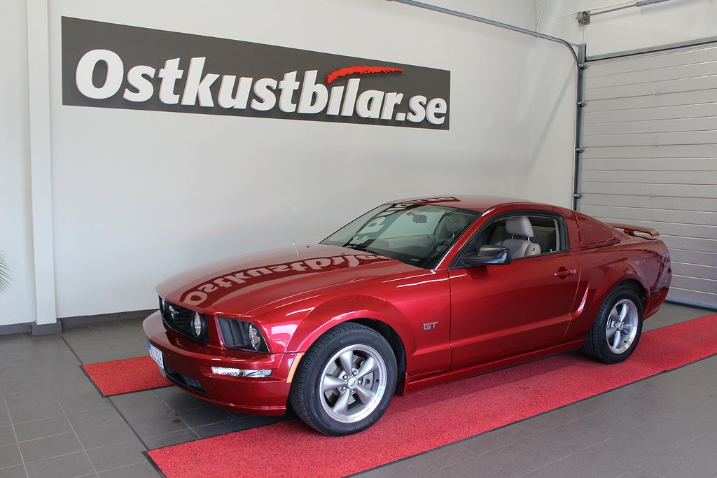 Ford Mustang, GT 4.6 V8 Automat GT 304hk