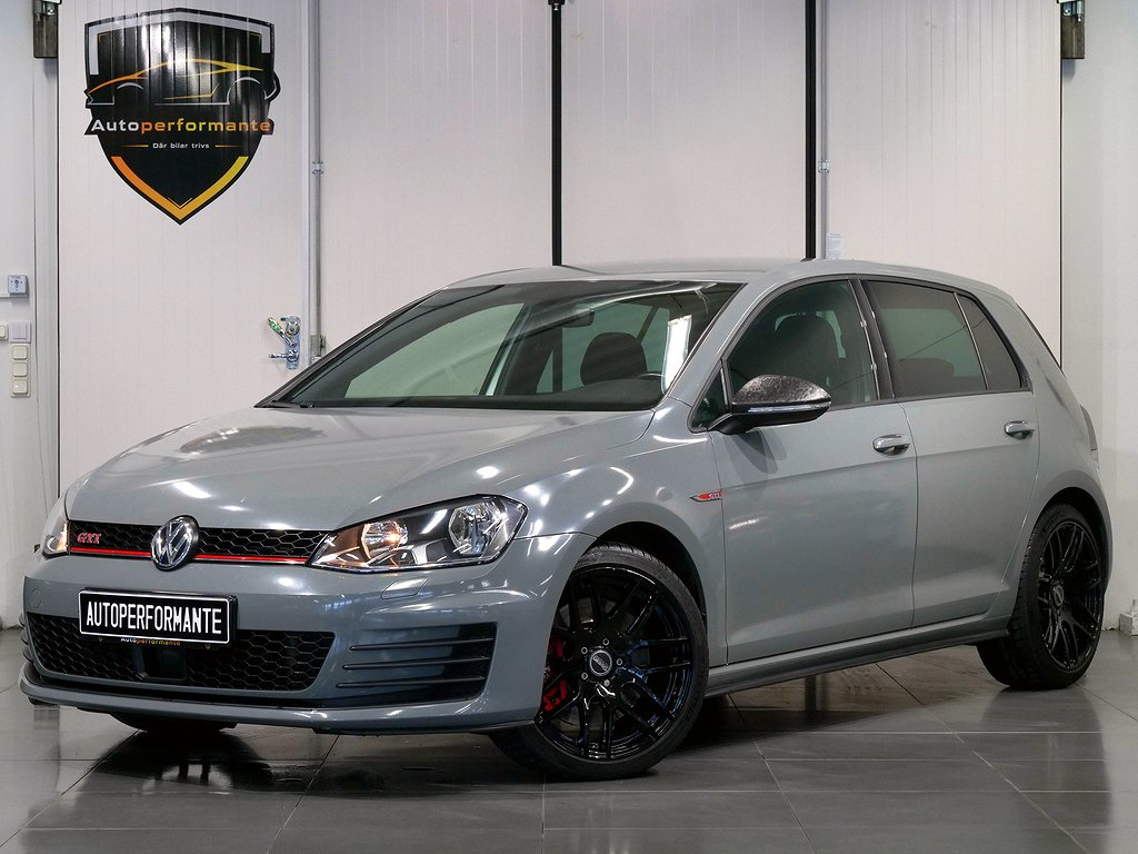 Volkswagen Golf GTI PERFORMANCE 2.0 DSG 230HK