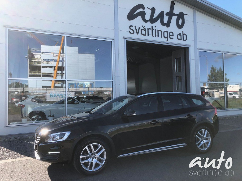 Volvo V60 Cross Country D4 AWD Summum