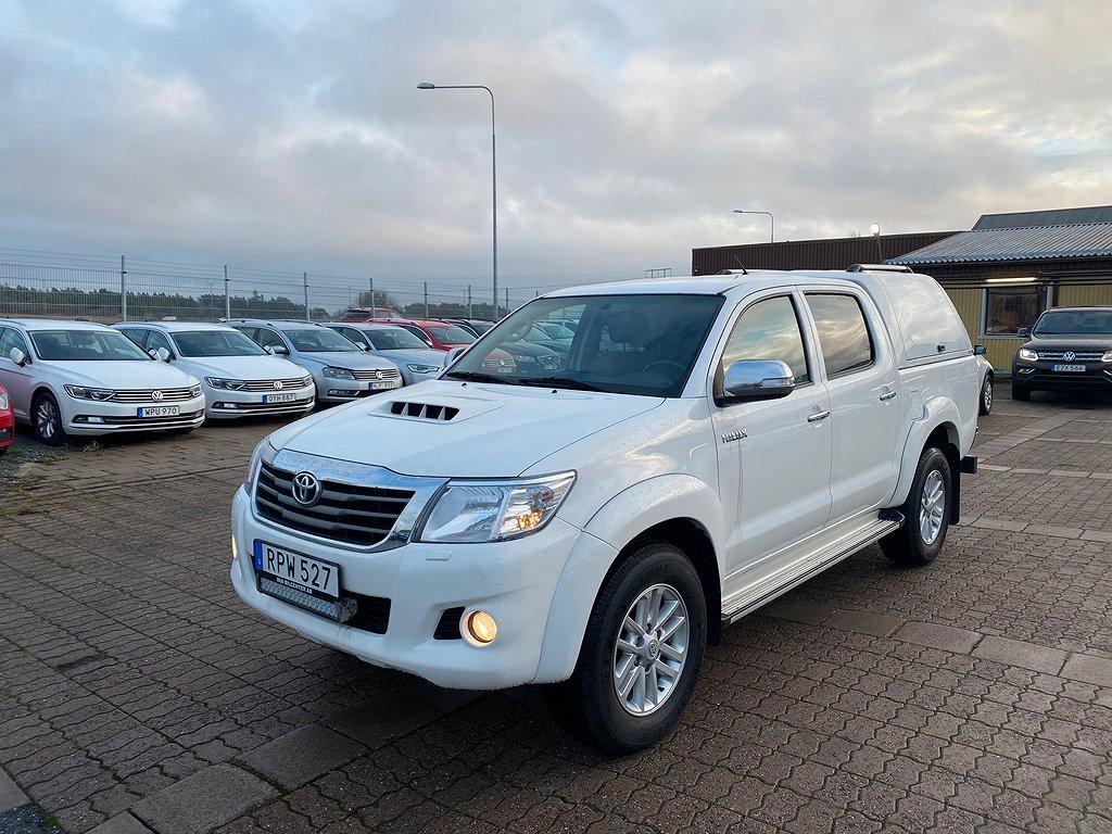Toyota Hilux 3.0D AUT 4WD VÄRMARE KÅPA NAVI 2-ÅRS GARANTI