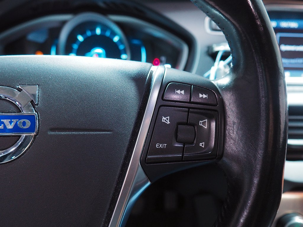 Volvo V40 Cross Country D2 Momentum 115hk Dragkrok 2014