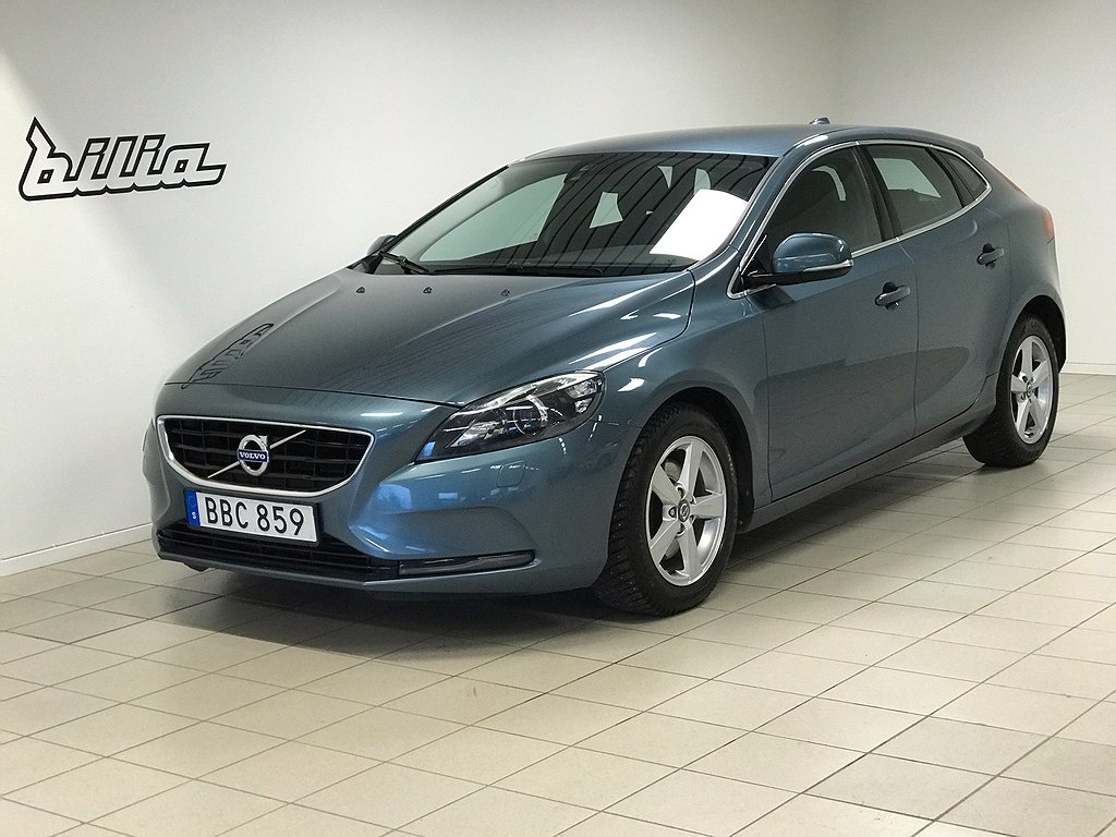 Volvo V40 T3 Your Momentum