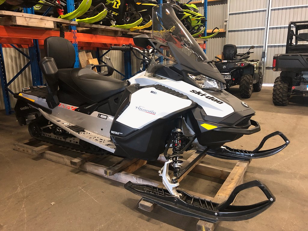 Ski-doo Grand Touring 600 ACE -21