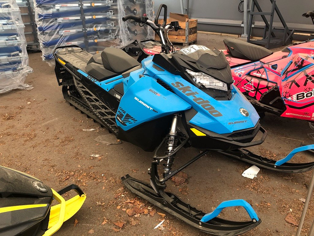 Ski-doo Summit 154 600 R E-Tec -20 *Demo*