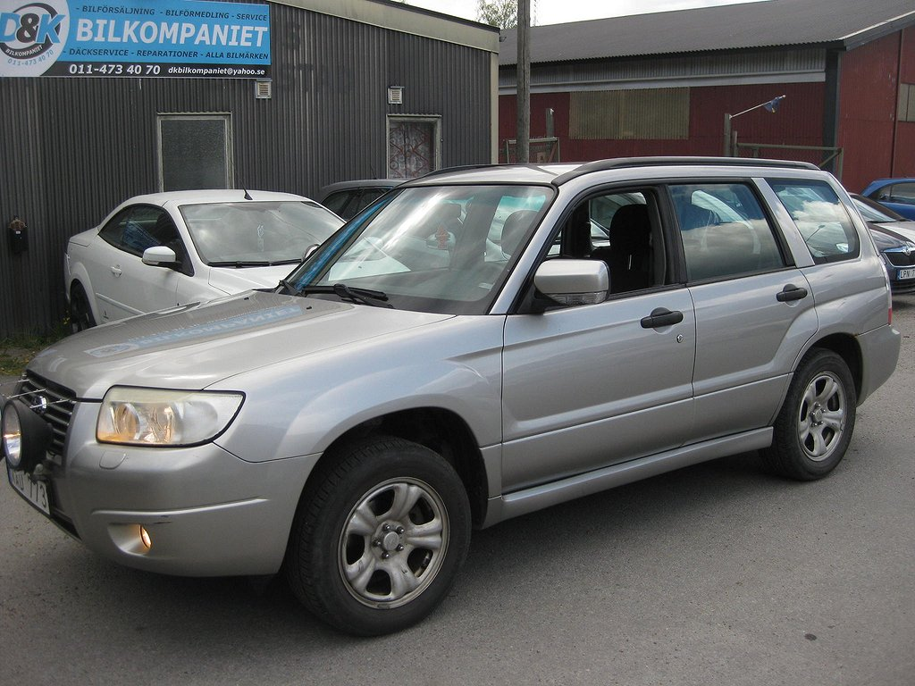 Subaru Forester 2.0 4WD Automat/DRAG/ACC