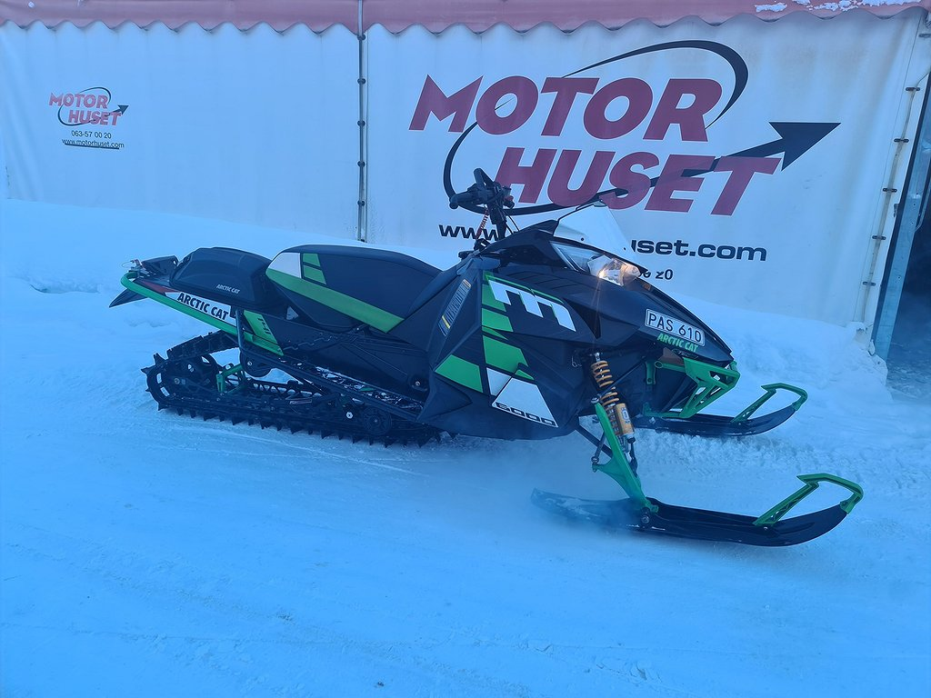 "Arctic Cat M6000 ES 141"" -17"