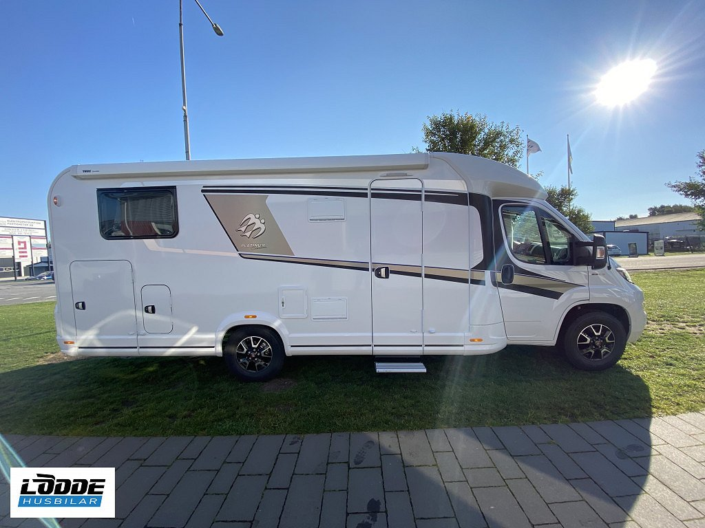 Knaus Sky TI Platinum Selection 700 MEG