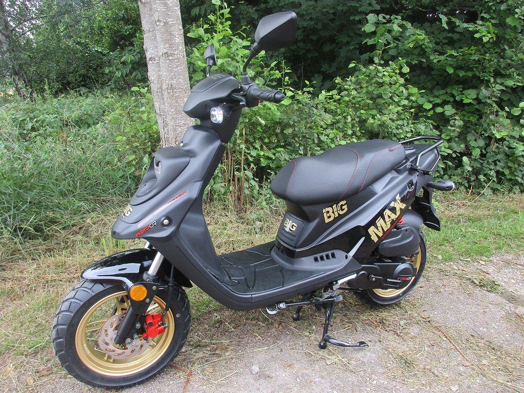 Motocr Bigmax 4T Euro5 klass II 25 km/h