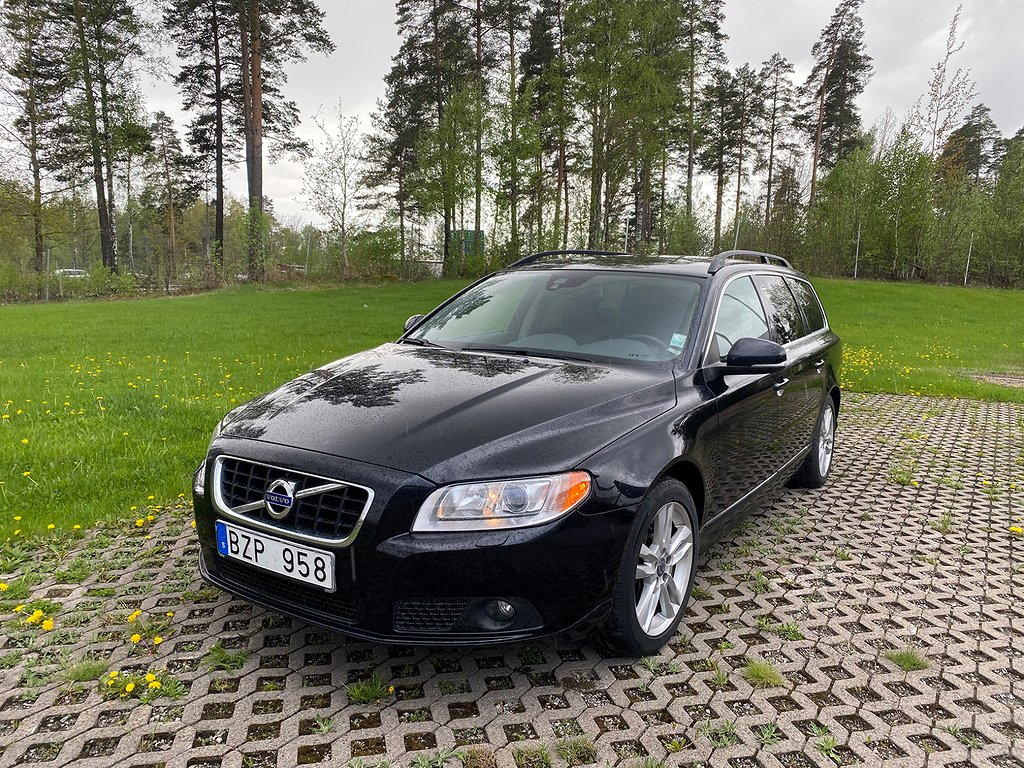 Volvo V70 D4 AWD Geartronic Momentum