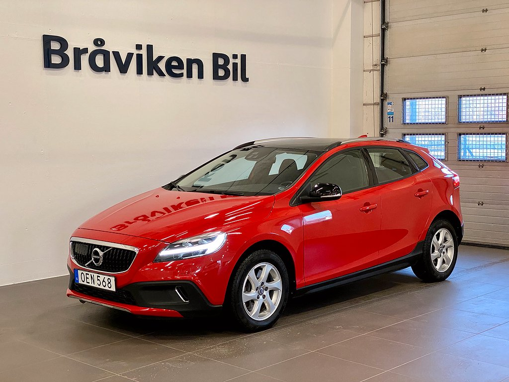 Volvo V40 Cross Country D2 AUT Momentum | Intellisafe Pro VOC Panorama