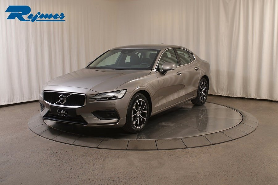 Volvo S60 T4 Momentum Advanced Edition