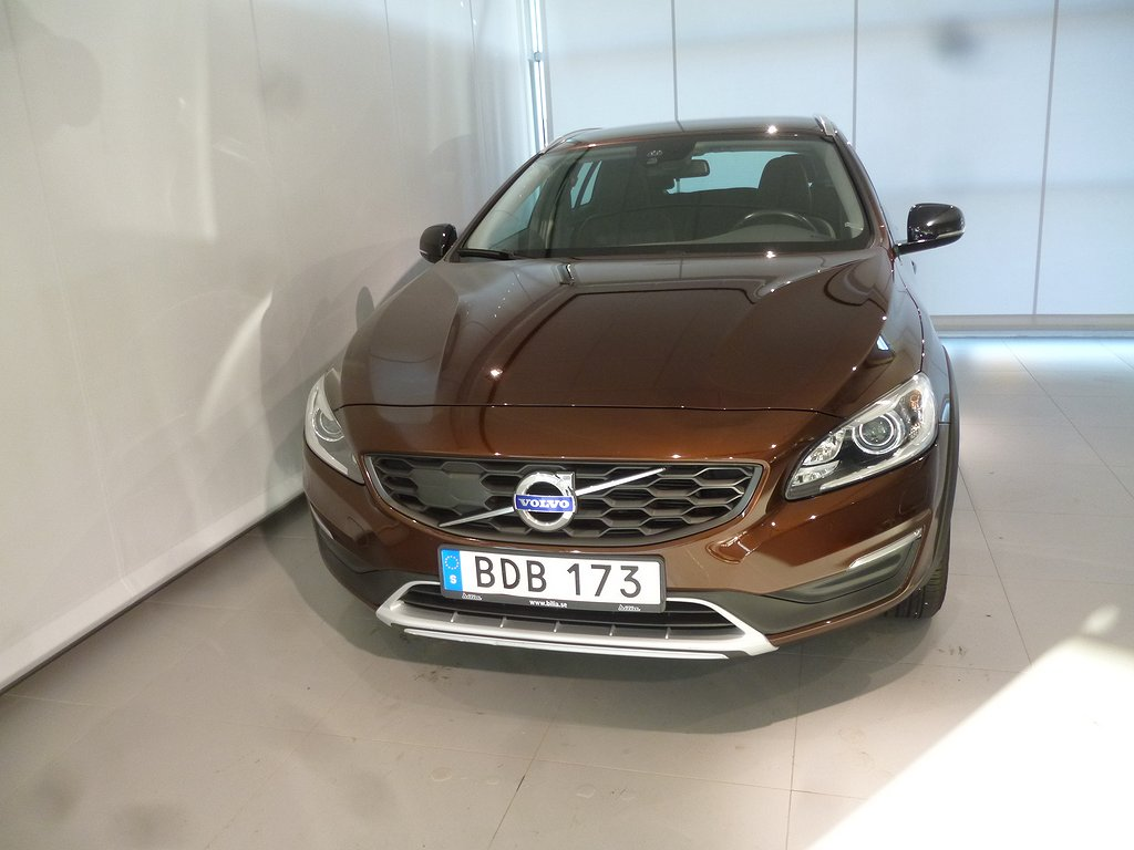 Volvo V60 Cross Country D4 AWD Momentum BE