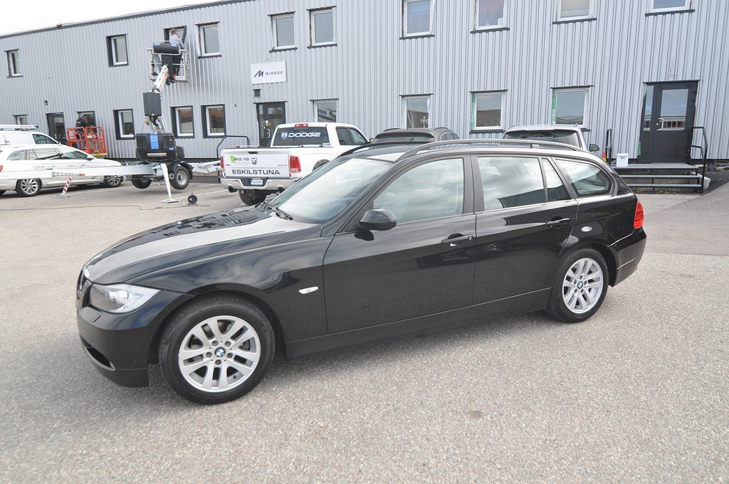 BMW 320 i Touring Aut Advantage Comfort 150hk