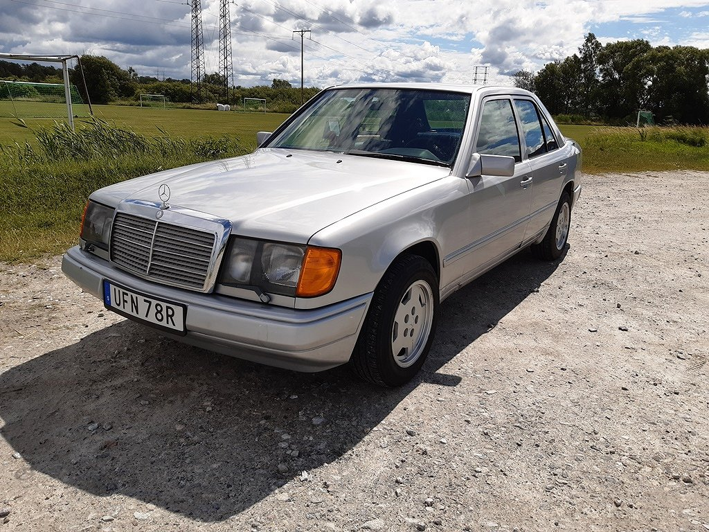 Mercedes-Benz 300 D 109hk