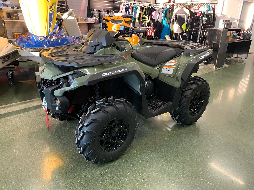 Can-Am Outlander PRO+ T 570 Squadron Green Traktor