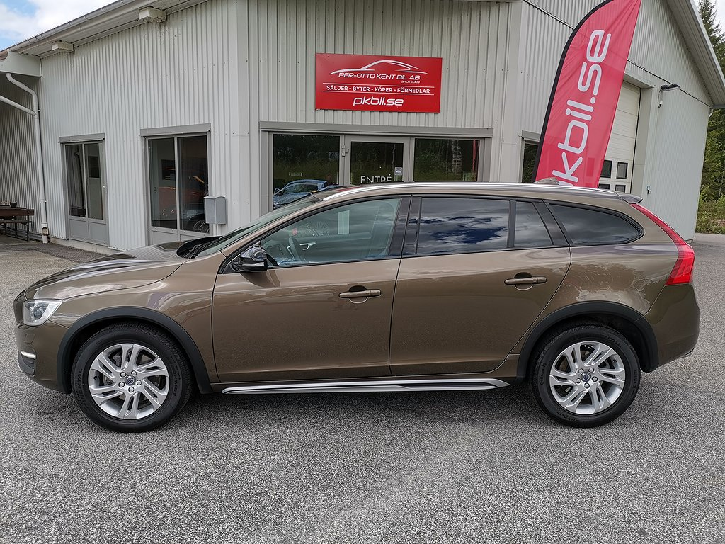 Volvo V60 Cross Country D4 AWD Aut Summum Euro 6 190hk
