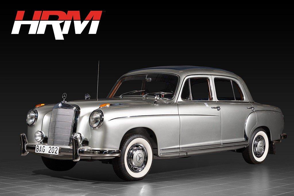 Mercedes-Benz 220 S 4D med soltak / Totalrenoverad
