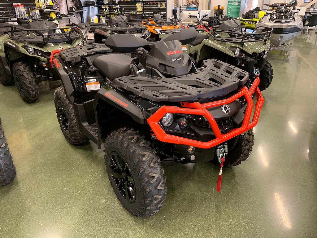 Can-Am Outlander XT T 650 Can-Am Red-Black Traktor ABS 2019