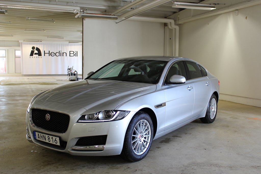 Jaguar XF D180 SIGNATURE