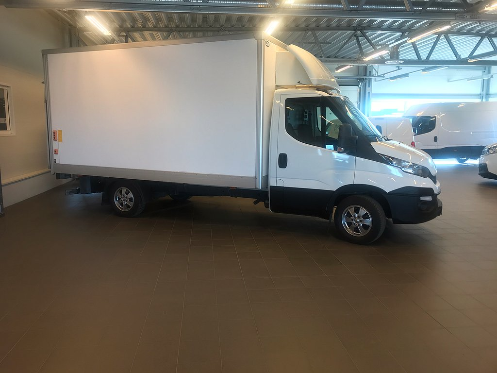 Iveco Daily 1070 kg last Chassis 2.3 JTD 146hk