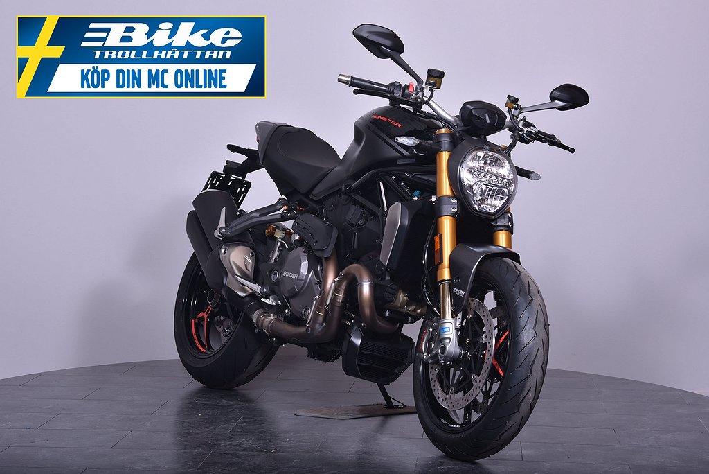 Ducati Monster 1200S Black on Black