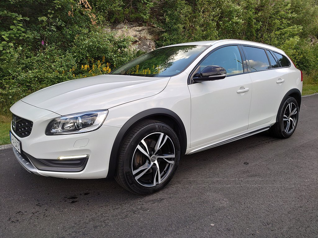 Volvo V60 Cross Country D4 AWD Geartronic  Vea- 190hk