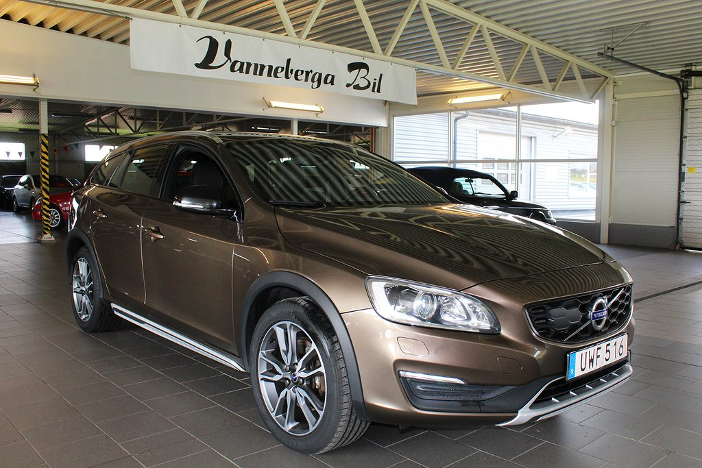 Volvo V60 Cross Country D4 AWD Summum Skinn/Drag/Euro 6 190hk