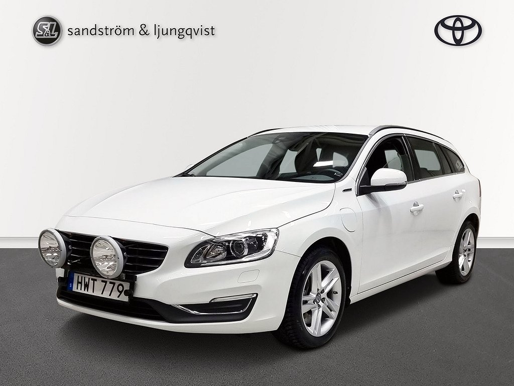 Volvo V60 TWIN ENGINE PLUG-IN D5 AWD MOMENTUM-PKT