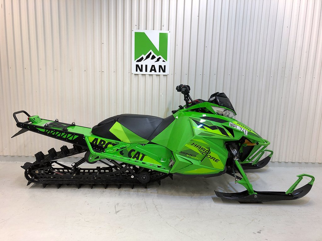 "Arctic Cat M 8000 153"" Hardcore"