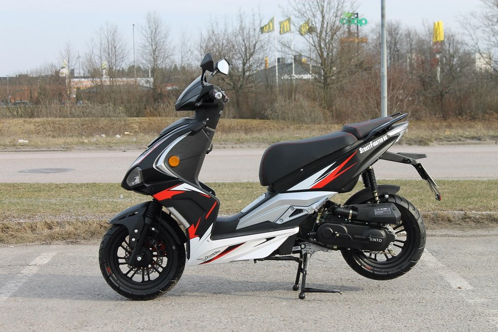 Vento Street Fighter RS 25 Moped Klass 2