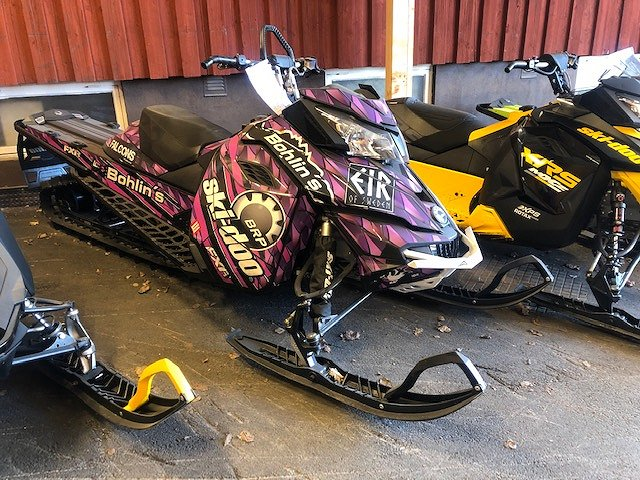 BRP Ski-Doo Summit SP 154 800 E-TEC