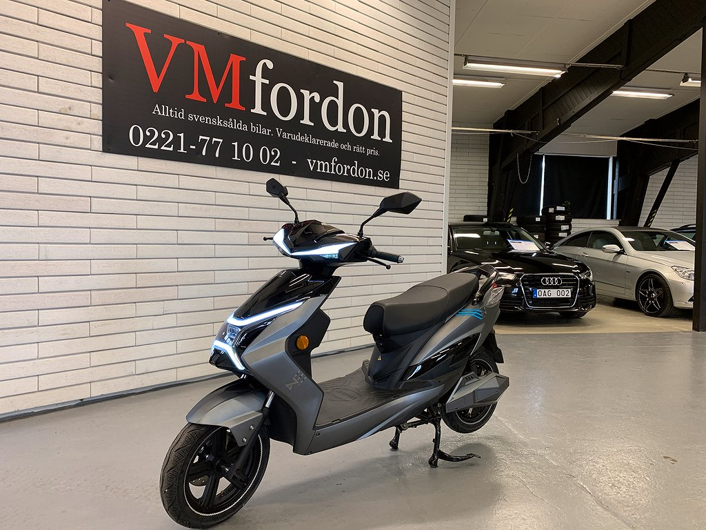 LV X1 Grand Tour Elmoped *DEMO*