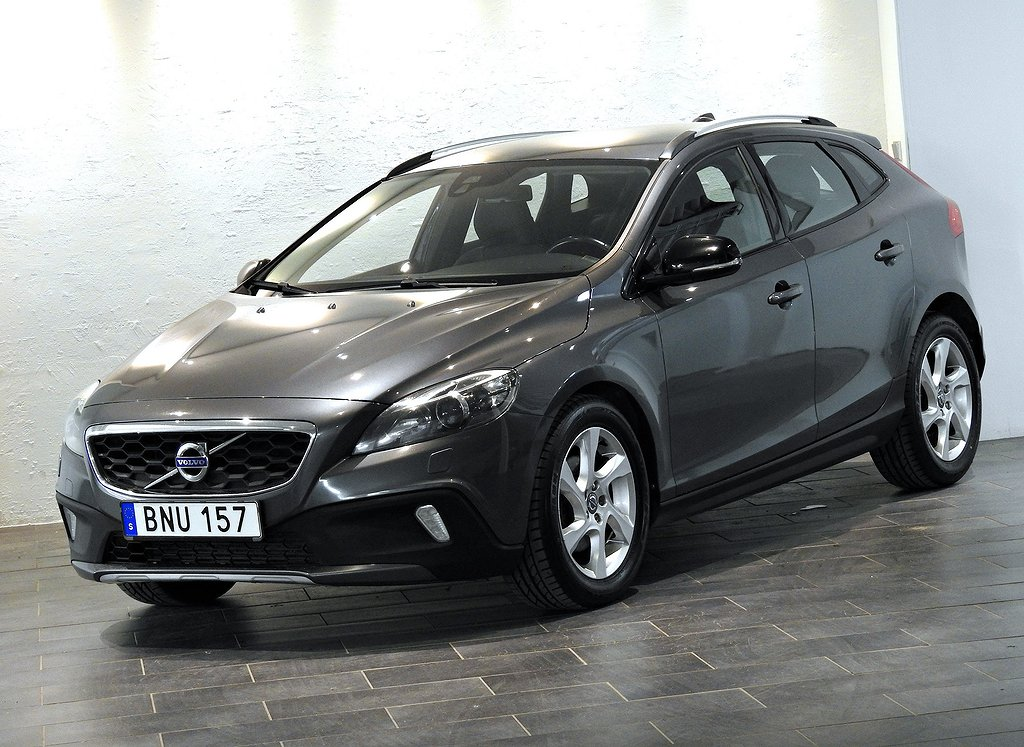 Volvo V40 Cross Country D2 /Momentum / Xenon / VOC