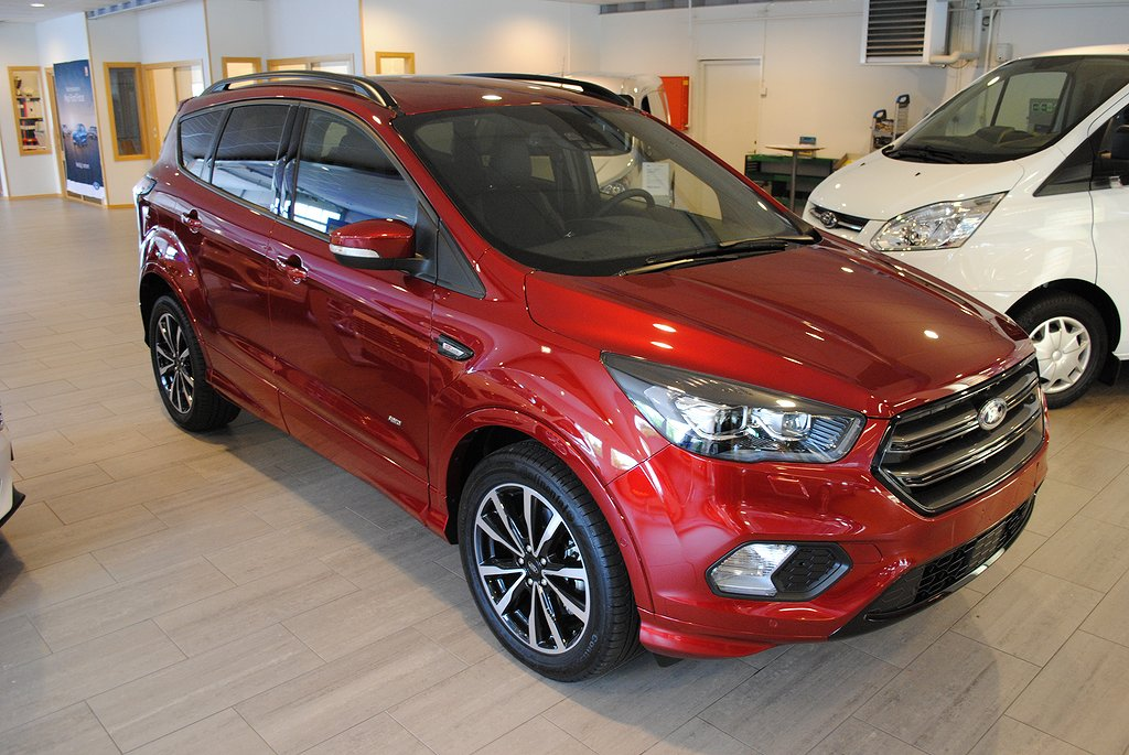 Ford Kuga 2.0 TDCi 180hk AWD Business Aut*Demo*