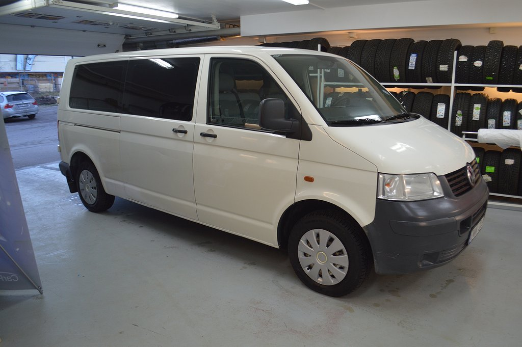Volkswagen Shuttle 2.5 TDI Auto 9 Sits Nybes Nyservad