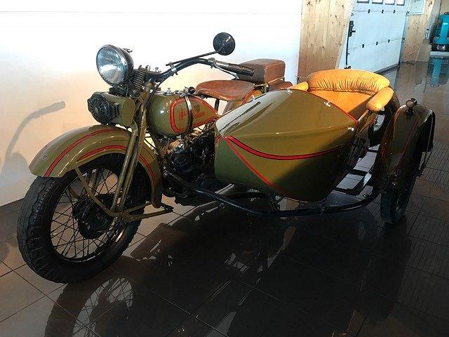 Harley-Davidson med sidovagn 750