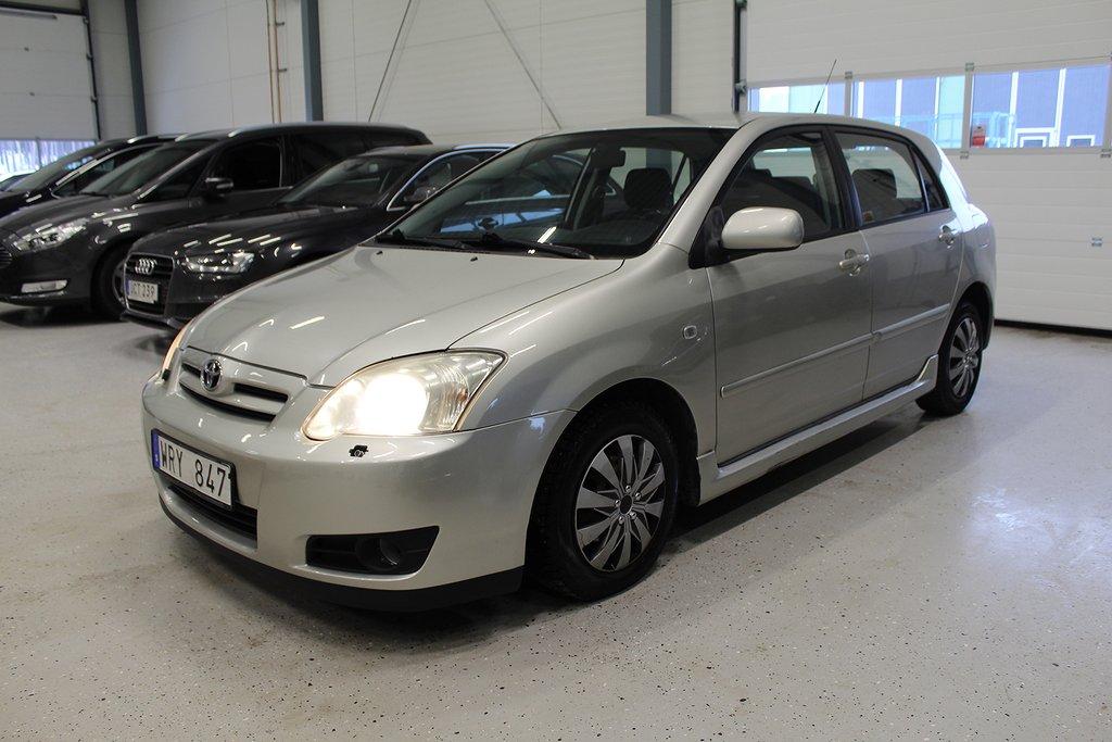 Toyota Corolla  Halvkombi 1.6 Nybesiktigad P-sensorer 110hk
