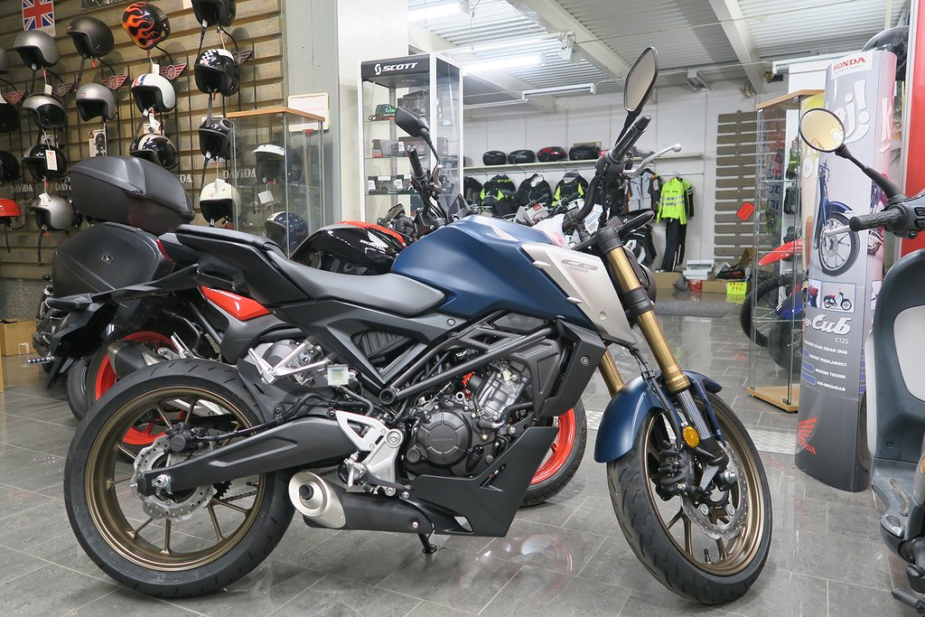 Honda CB125R-22 Boka för lev i December-21