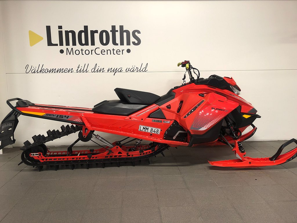 "Ski-doo Ski-doo Summit X  Ski-doo Summit X 154"" 850 E-TEC SHOT -19"