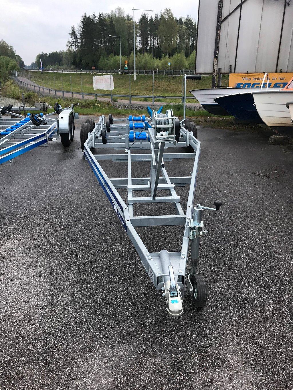 Tikitreiler 3500 BUV 30 km/h båtupptagningsvagn