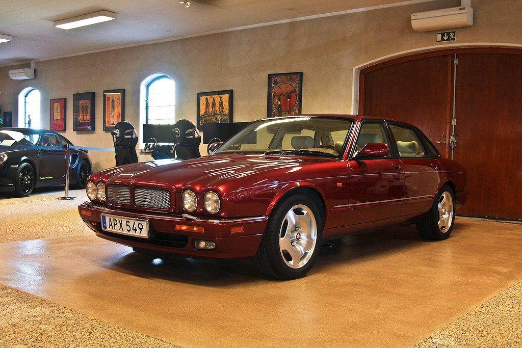 Jaguar XJR 4.0 Supercharger Svensksåld!  2 brukare!