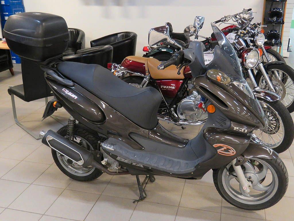 Beta Eikon 150cc scooter