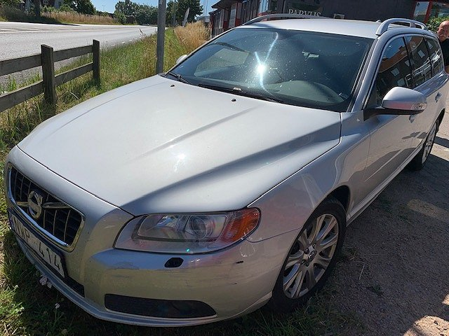 Volvo V70 D5 Summum   POOLSTAR TRIMMAD
