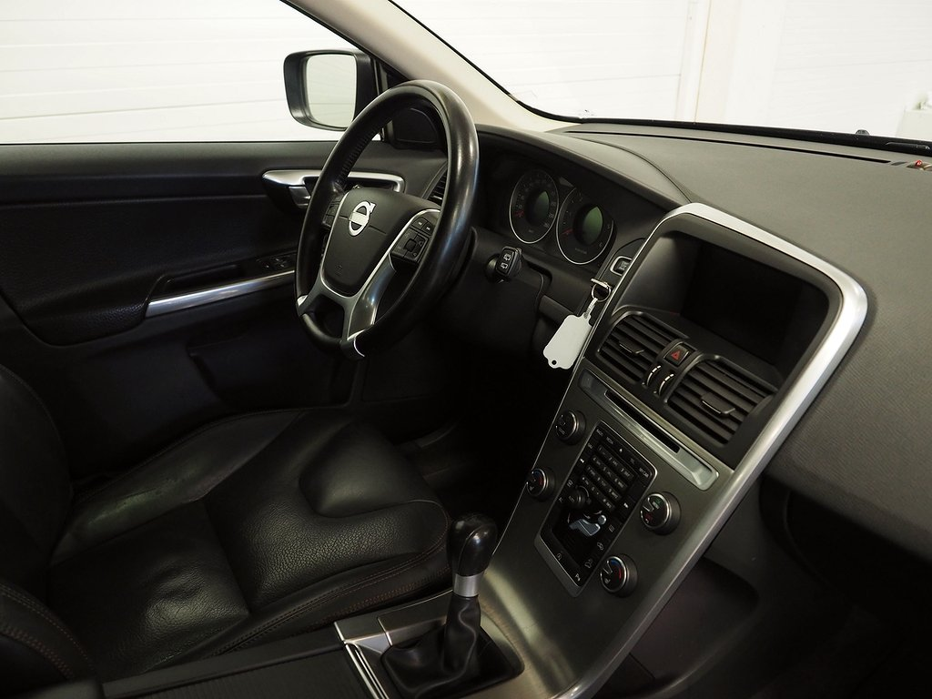 Volvo XC60 D4 AWD Momentum 163hk | Navi |  VOC | Panorama 2013