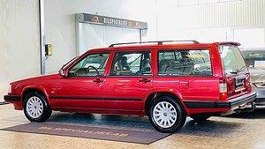 Bilen är välvårdad både in- och utvändigt.