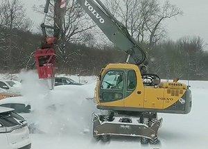 Så tar man bort snö på 7000 bilar