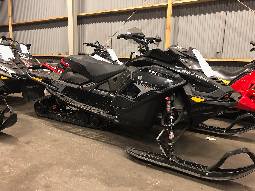 Ski-doo Renegade 900 ACE Turbo -19