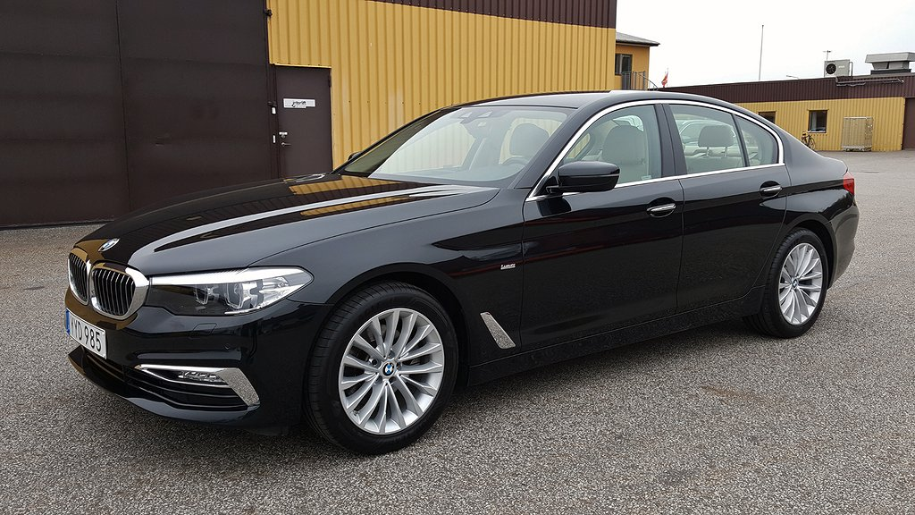 BMW 520 i 184hk Steptronic Luxury Line Drag 6300mil Sedan