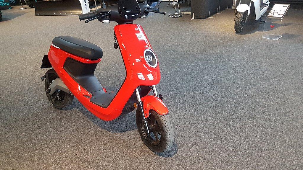 NIU M1 Elscooter